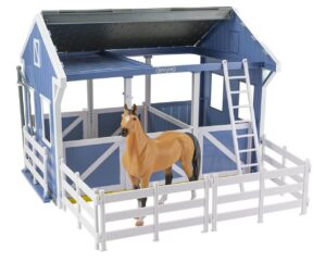 Breyer Deluxe Country Stable with Horse
